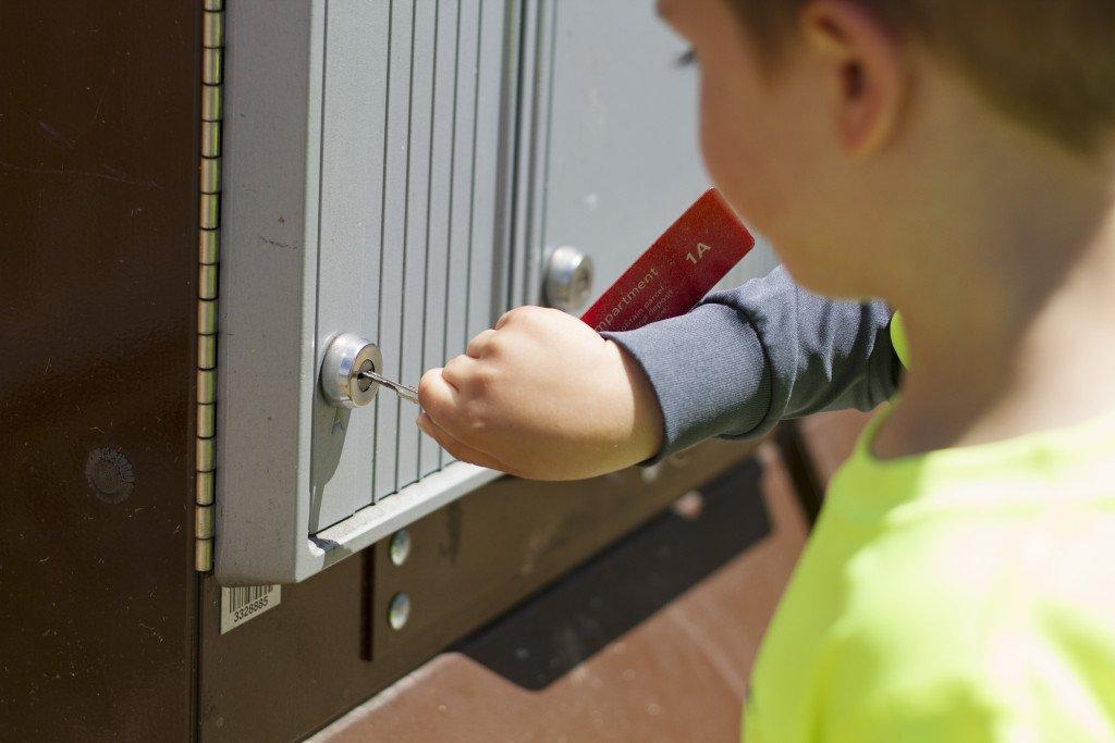 Mattias getting Mail Carpe diem our way