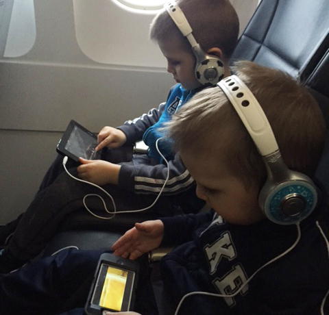 What to Pack: Airplane Activities for Toddlers