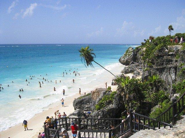 beach-1839538_640