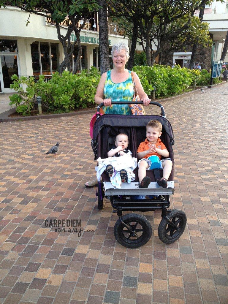 Walking Kalakawa Ave with Grannie in Oahu