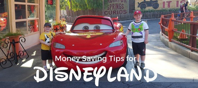 10 money saving tips for your next Disneyland trip
