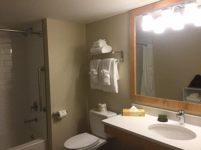 Full Bathroom with Bathtub