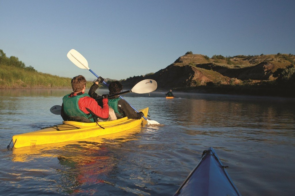 Kayaking Lake Sakakawea