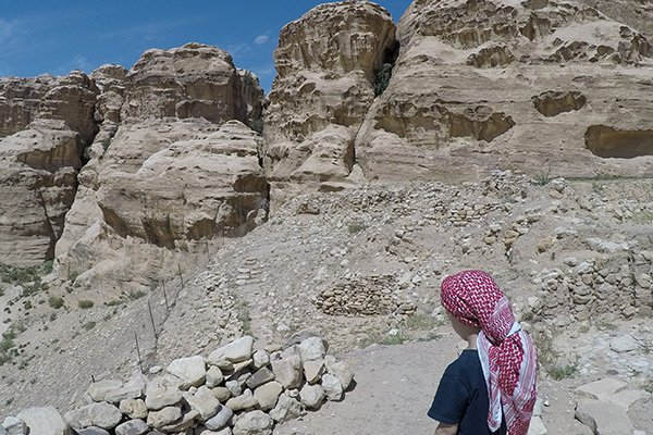 Jordanian head scarf
