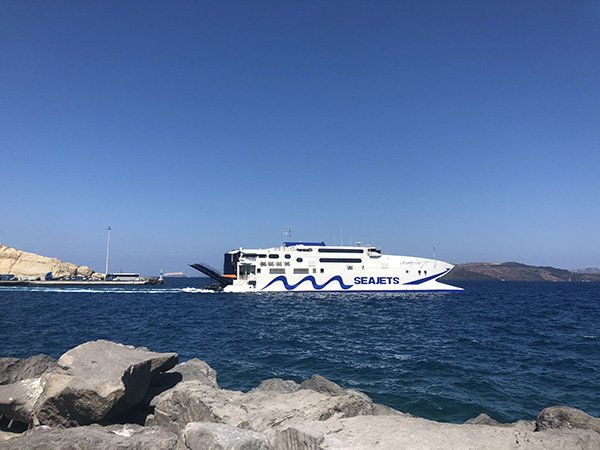 Arriving by Boat to start your Santorini itinerary | 2 Days in Santorini