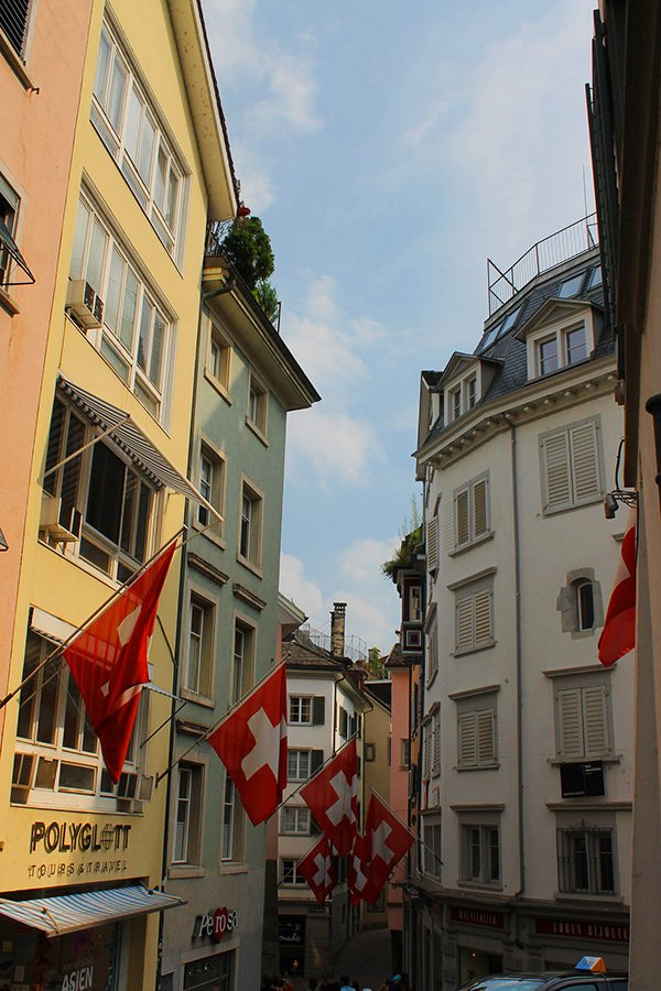 Things to buy in Zurich | Swiss Souvenirs | Swiss Travel Guide