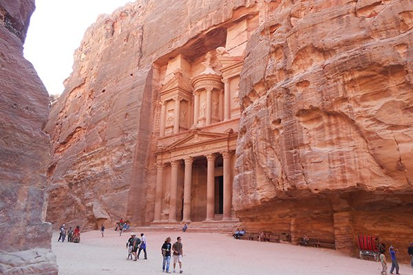 5 day tour jordan | Visiting Petra on your 5 days in Jordan Itinerary