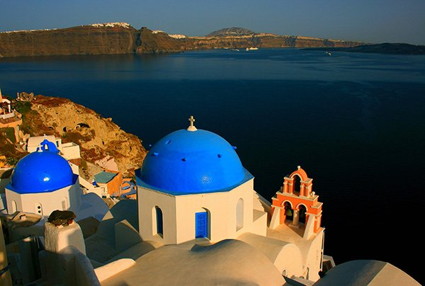 best wine tours in Santorini winery